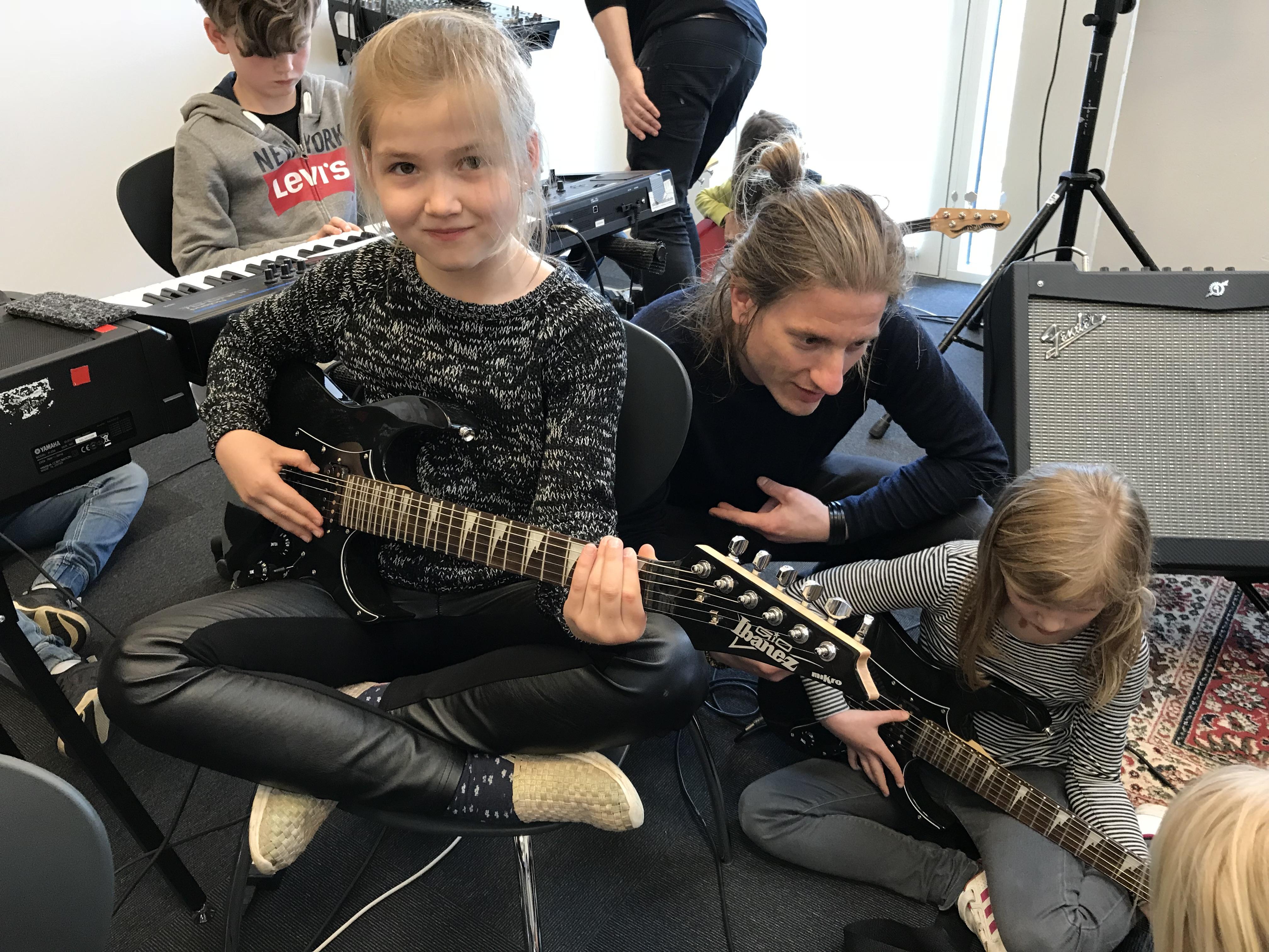 Rock og Rul 7 - 10 år (rytmiske instrumenter)